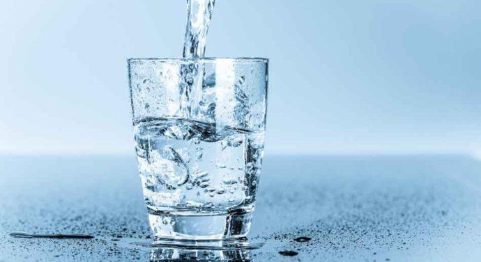 แก้วกินน้ำทำจากอะไรนะ